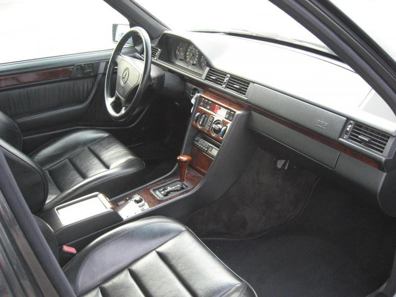 [Pilt: 57937-w124_interior.jpg]
