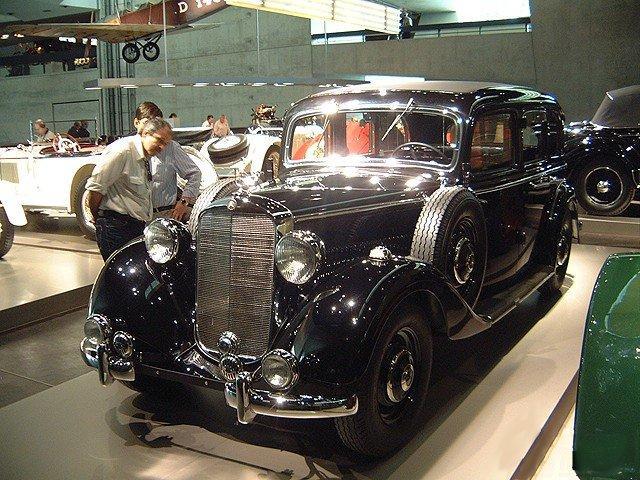 [Pilt: 93474-Mercedes-Benz_260D_Pullmann-Limousine.jpg]